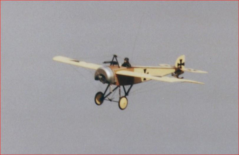 Pfalz E1 im Flug